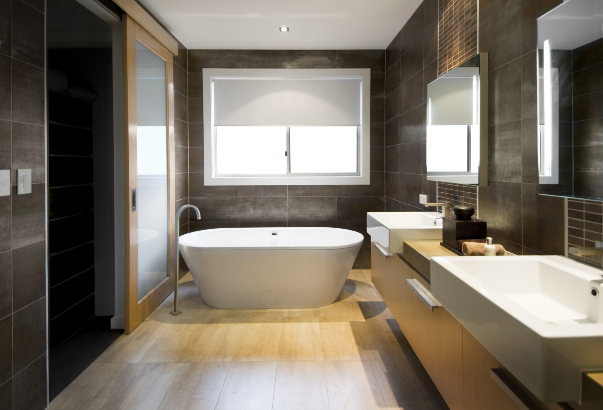 Luxury Tubs for your Master Bathroom
