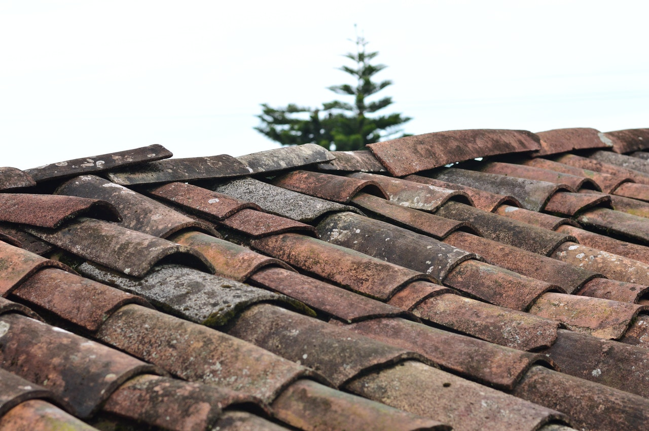 What Are Signs of An Aging Roof?